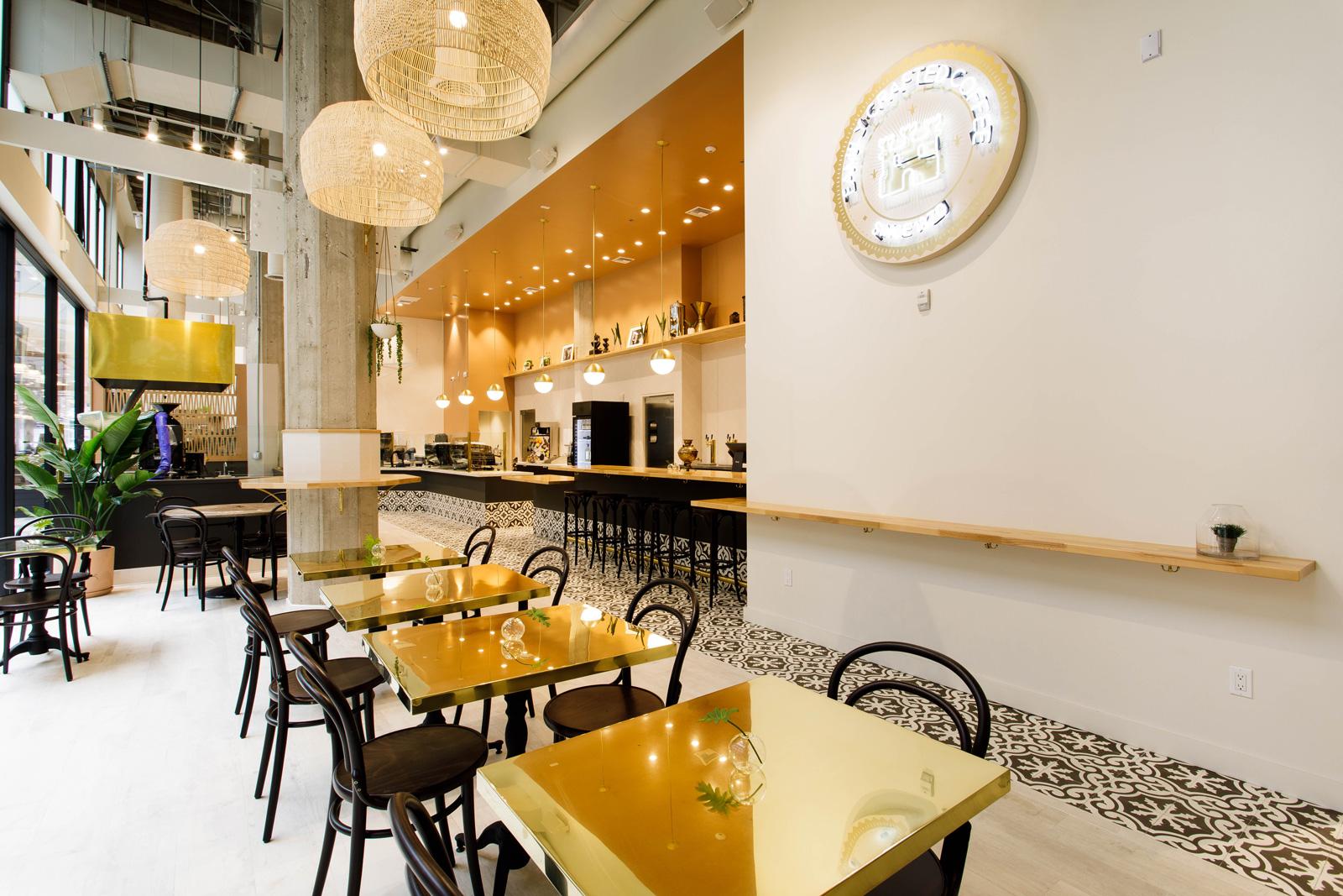 """Don Francisco's casa cubana centre-ville de los angeles """"width ="""" 1600 """"height ="""" 1067 """"/></p></noscript><p> Chez Don Francisco's Coffee Casa Cubana, des boissons traditionnelles de style cubain telles que Café Con Leche, C Afé Cubano et Cortaditos seront préparés sur une ou deux machines à espresso Gravidégique Eagle Eagle Arduino brillantes, associées aux broyeurs Nuova Simonelli Mythos Clima Pro.</p><p> <img data-attachment-id="""