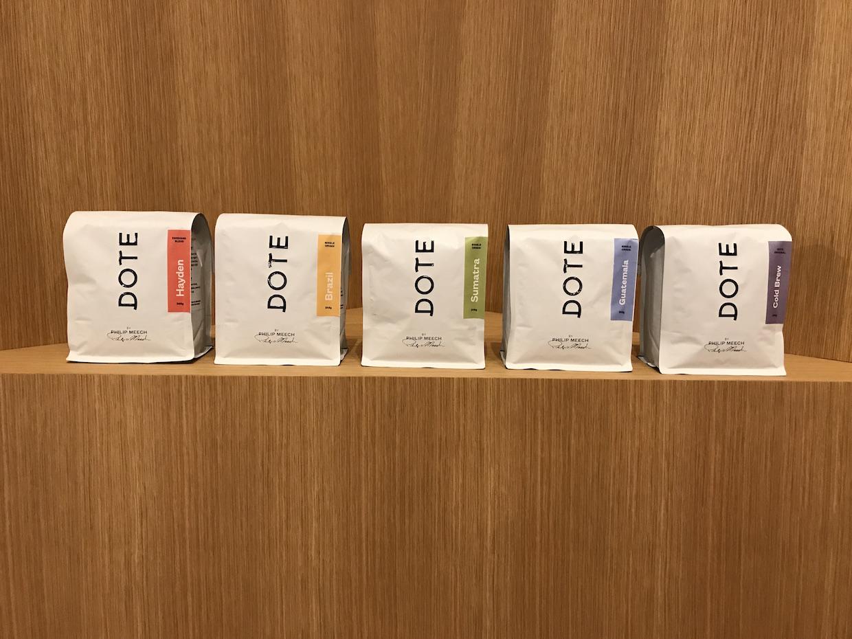 """Dote Café chocolat Bellevue Wash """" Width = """"1240"""" height = """"930"""" /></p></noscript><p> """"Nous espérons et avons l'intention de développer la marque, mais notre boutique et la nature faite à la main de ce que nous faisons signifie probablement que nous ouvrons beaucoup plus Nombre de magasins """", a déclaré Doud. """"Et c'est vraiment un moyen de montrer ce que nous voyons non seulement un café supérieur, mais des choses vraiment géniales qui accompagnent le café"""".</p><p> <span id="""