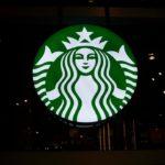 """L'activiste de Starbucks Barista avertit l'entreprise de la «mort lente de l'expérience du café"""""""