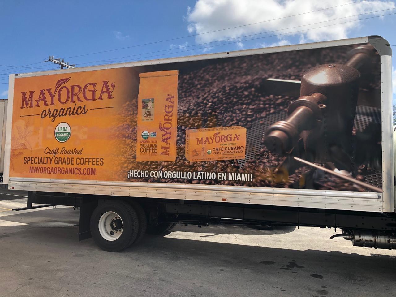 Livraison de camion à café Mayorga Organics