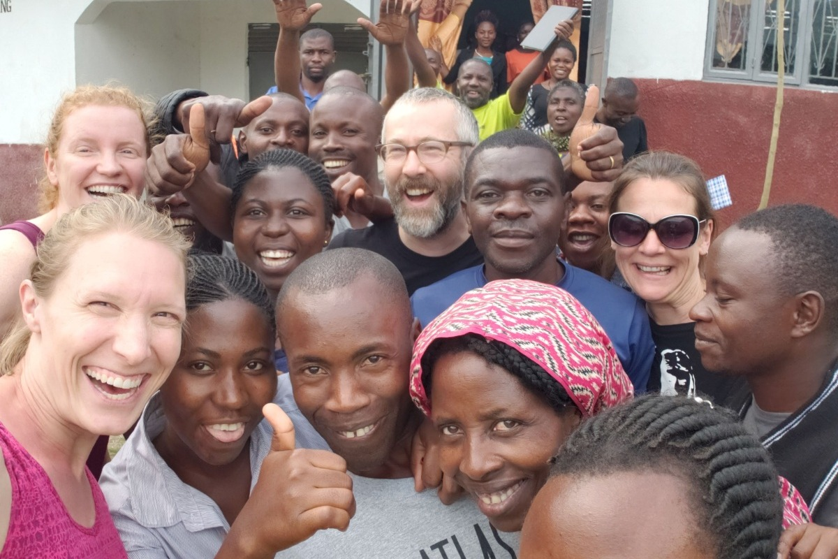 Bukonzo avec les acheteurs