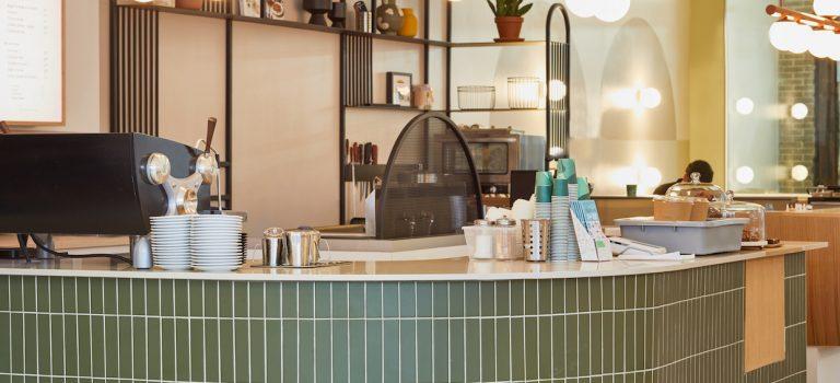 Cafe Pista passe à travers le nouveau café Roastery à MontréalDaily Coffee News by Capsules Café