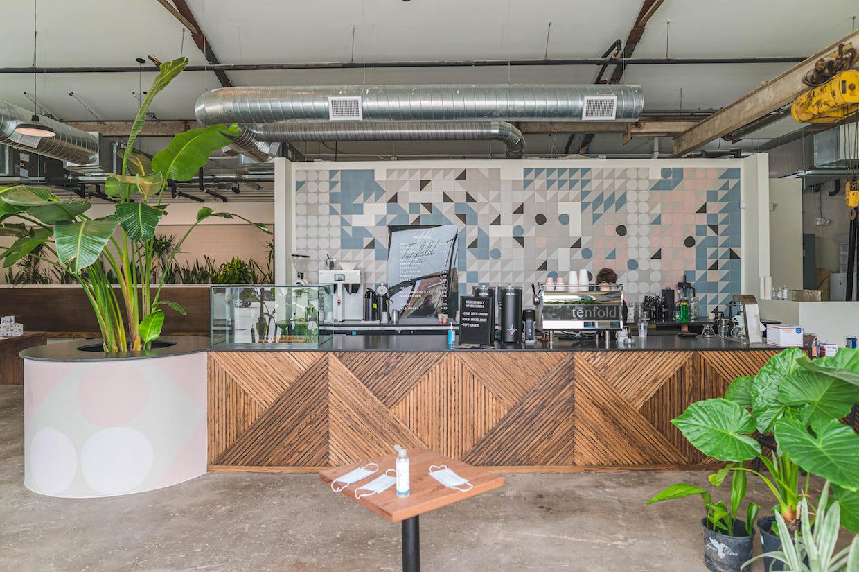 Bar à café décuplé