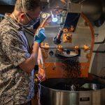 Les torréfacteurs brise-lames rehaussent la scène du café à GloucesterDaily Coffee News by Capsules Café