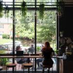 Nouveaux emplacements de café Rāko servant des capps dans le Capitole, des cocktails à Arlington